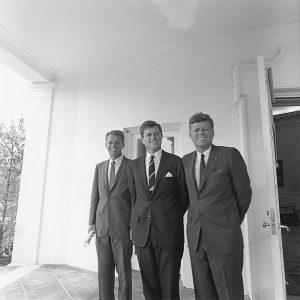 598px-ARC194238-JFK-Robert-Edward-300x300 La custodia planetaria y otras cuestiones en la carta de J.F. Kennedy