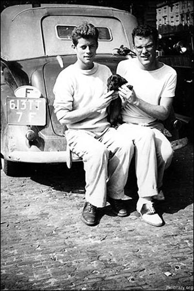 jack-and-lem-car-400 La custodia planetaria y otras cuestiones en la carta de J.F. Kennedy