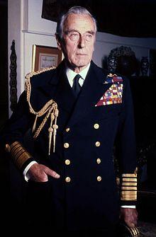 220px-Lord_Mountbatten_Navy_Allan_Warren Los gemelos y la astrología: los hermanos Knatchbull